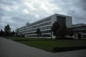 (c) KaunoZinios.lt archyvo nuotr.KTU Elektronikos rūmai (projekto autorius V. J. Dičius).