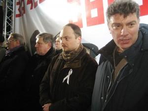 Borisas Nemcovas (dešinėje) © Wikimedia Commons archyvo nuotr.