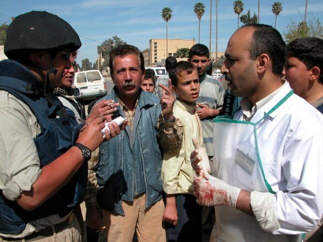 C. Kline (kaireje) prie Mosulo pagrindines ligonines