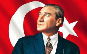 Mustafa Kemal Ataturk – tai žmogus, kurio dėka Turkijoje atsirado demokratija ir kurio idėjos 90 metų buvo visos Turkijos ideologija. Jis ne šiaip sau vadinamas visų turkų tėvu. Perversmo bandymas Turkijoje – tai klausimas, ar Turkija toliau eis link Vakarų, ar pradės grimzti į islamizmą.