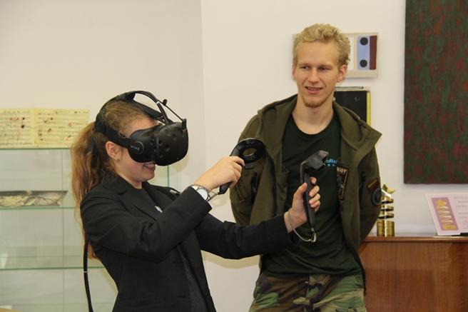 Robotikos mokyklos virtualios realybės dirbtuvės / Organizatorių archyvo nuotr.