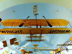 Prof. J. Stankūnas: piloto darbo neįmanoma dirbti jo nemylint, o tai vienodai gali ir vyrai, ir moterys. Broombesoom nuotr./Flickr.com