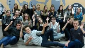 Organizatorių archyvo nuotr./ Antano Smetonos gimnazijos savanoriai ir Kurčiųjų ir neprigirdinčiųjų centro vaikai