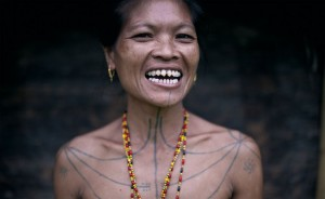 Mentaway genties moteris iš Siberut salų / © Mattia Passarini  nuotr.
