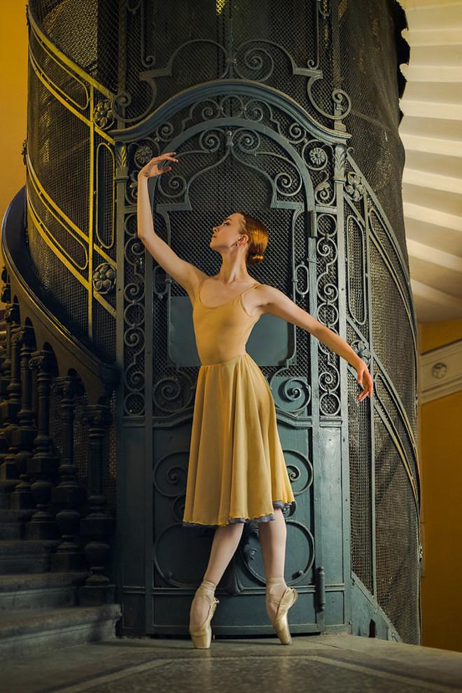Darian-Volkova-Ballet-Architecture-Photography-7