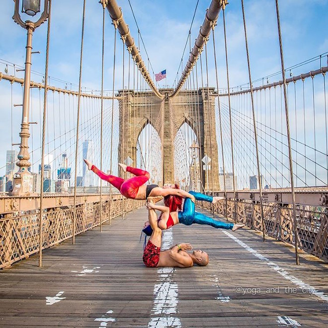 alexey-wind-yoga-in-the-city-11