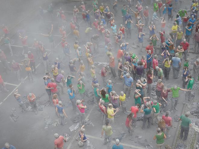 1000-GESTALTEN-g20-protest-art-10