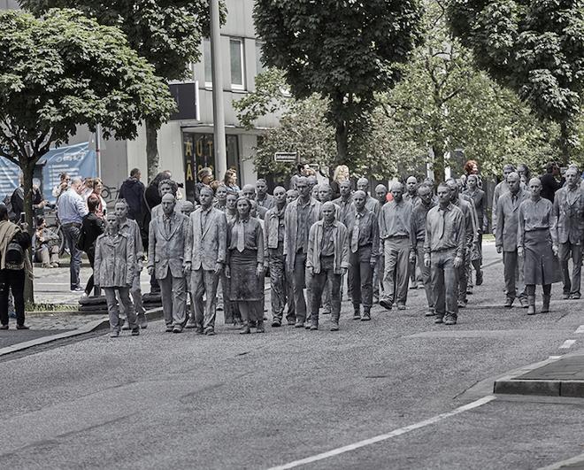 1000-GESTALTEN-g20-protest-art-2