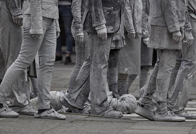 1000-GESTALTEN-g20-protest-art-3