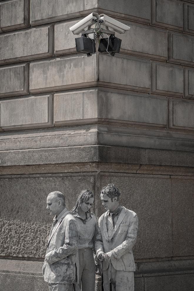 1000-GESTALTEN-g20-protest-art-4