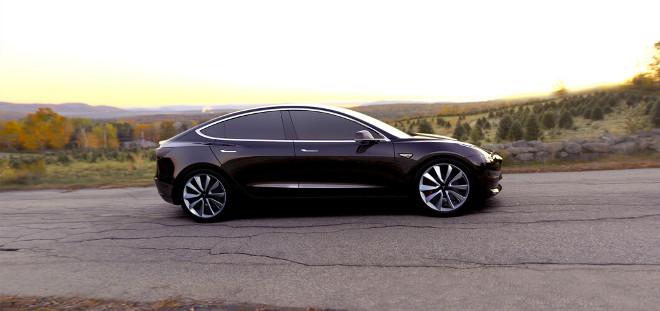Tesla automobilis model 3