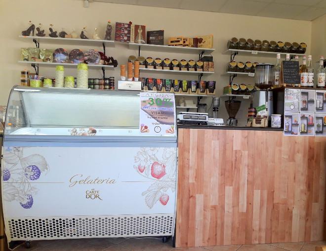 Ruta. Saldainiai ir kava (2)