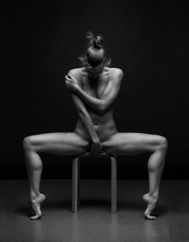 women-posing-bodyscapes-anton-belvodchenko-111