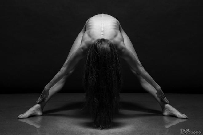 women-posing-bodyscapes-anton-belvodchenko-14