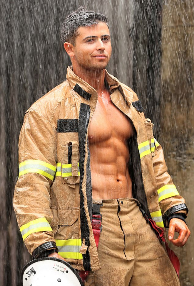 hot-calendar-shoot-firefighters-australia-8-59df0f66392fa__700