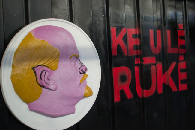 Leninas Keule ruke