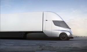 """""""Tesla"""" sunkvežimis"""