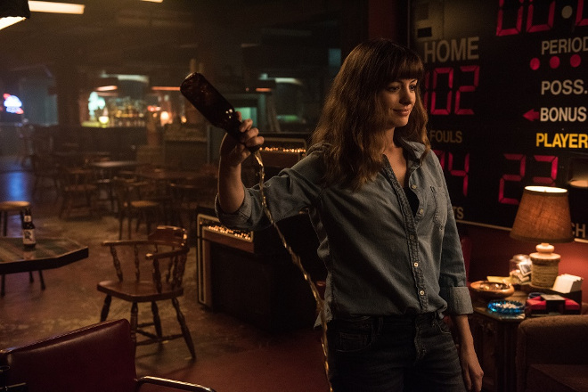 colossal-movie-anne-hathaway