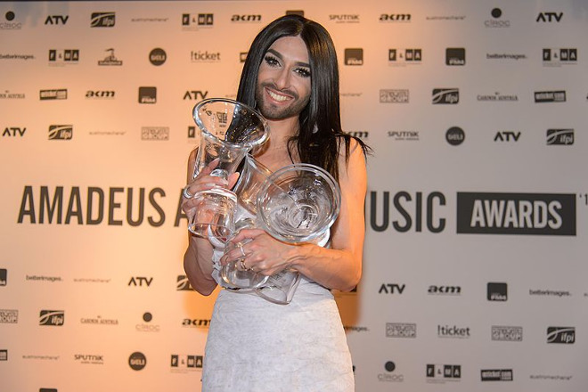 Conchita_Wurst_at_the_Amadeus_Austrian_Music_Awards_2015