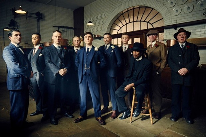 WARNING: Embargoed for publication until 00:00:01 on 26/04/2016 - Programme Name: Peaky Blinders 3 - TX: n/a - Episode: Peaky Blinders III Ep1 (No. 1) - Picture Shows: Johnny Doggs (Packy Lee), Isiah (Jordan Bolger), John Shelby (Joe Cole), Michael Gray (Finn Cole), Thomas Shelby (Cillian Murphy), Arthur Shelby (Paul Anderson), Finn Shelby (Harry Kirton), Jeremiah Jesus (Benjamin Zephaniah), Charlie Strong (Ned Dennehy), Curly (Ian Peck) - (C) Caryn Mandabach Productions Ltd & Tiger Aspect Productions Ltd 2016 - Photographer: Robert Viglasky