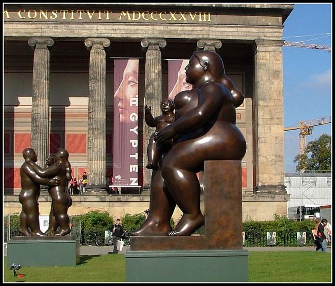 Botero_Berlin_-_panoramio_(2)