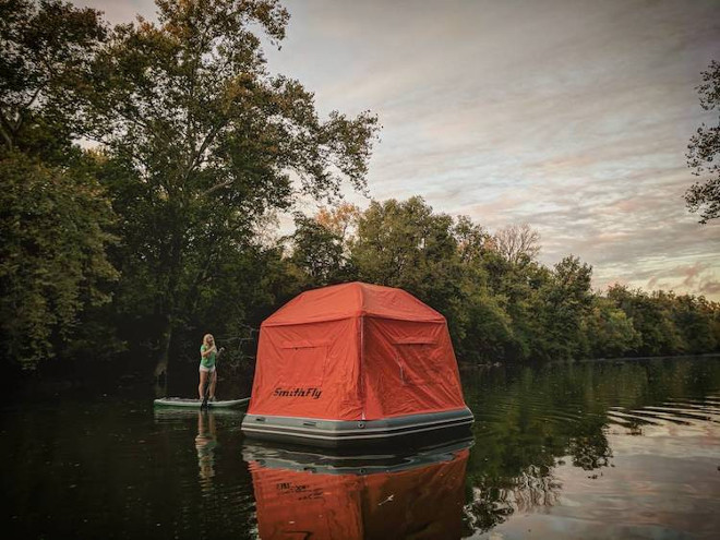 floating-tent-smithfly-9