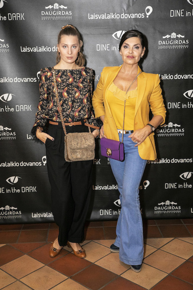 Dine in the Dark_Kriste Kaikaryte ir Kristina Kaikariene