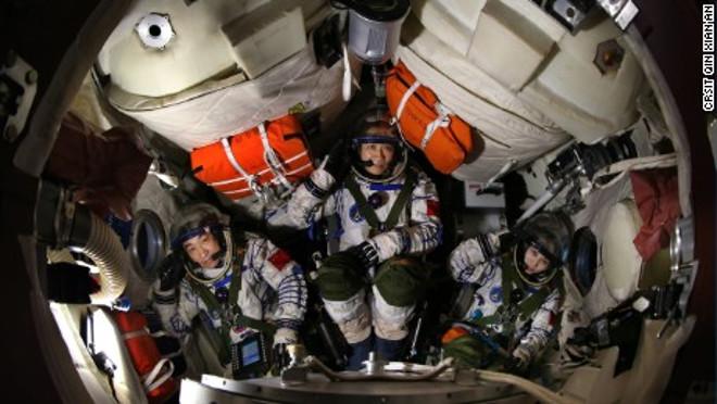kinų kosmonautai