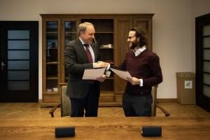 Sutarties pasirašymas / KTU archyvo nuotr.