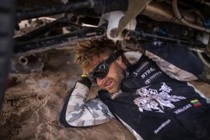 Vienas iš labiausiai reikalingų daiktų Dakare - slidininko akiniai saugantys nuo smėlio audrų. / Asmeninio archyvo nuotr.
