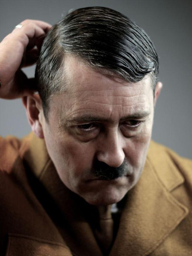 Adolfas Hitleris 4
