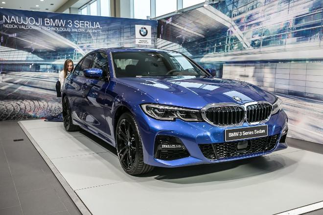 thumbnail_BMW3-023
