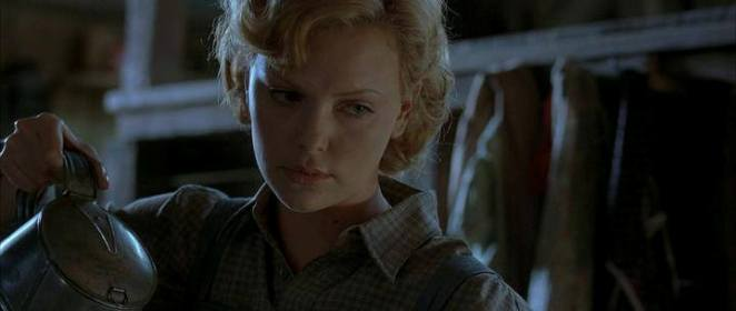 TOP 10 Charlize Theron (8)
