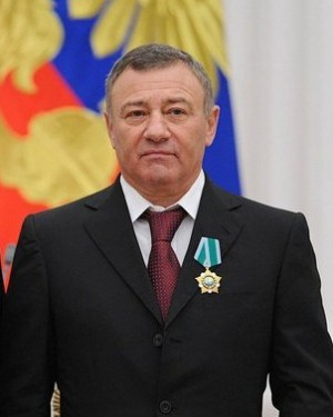 Artimai su Vladimiru Putinu siejamas Rusijos verslininkas Arkadijus Rotenbergas © Wikimedia Commons archyvo nuotr.