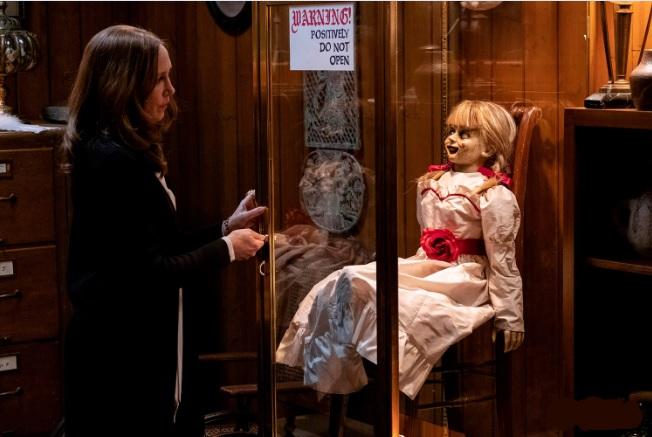 Horror movies Siaubo filmas Annabelle 3